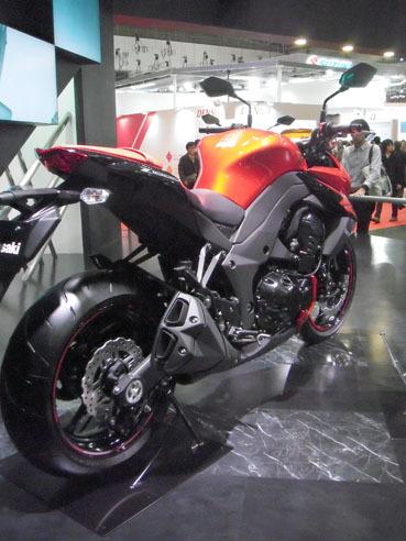 20111212kaz1000