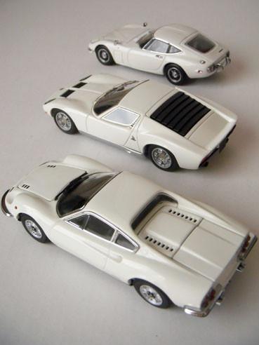 20120224whitesupercar02