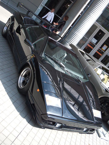 20121010countach02frontside